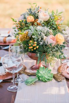 Wedding reception centerpiece ideas #centerpieces @weddingchicks