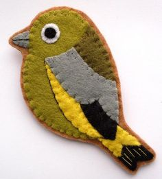 Brooches – Greenfinch Felt Brooch – a unique product by Lupin on DaWanda