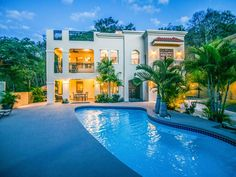 Custom Home 3 bed/3bath, Private Pool, WiFi, Walk to Beach, Restaurants, Sunsets. I custom built my vacation home with lots of outdoor areas to enjoy family...