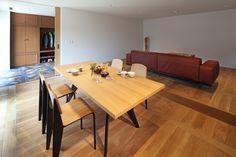 Interior design by FLOOAT,Inc.  / Photo by Kozo Takayama