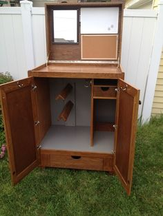 Tack trunk - so many neat ideas in this one (missing a net to hold stuff in the lid when its closed)