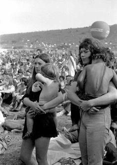 hippie life 317222367492985271 - Woodstock Festival 1969 3 pictures – Bilder Land Source by Woodstock Hippies, Woodstock Music, 1969 Woodstock, Hippie Style, Hippie Love, 1970s Hippie, Woodstock Festival, Beatles, Trippy Hippie