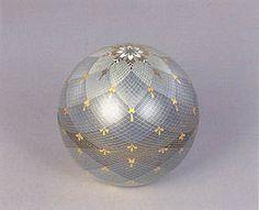 Japanese Design, Japanese Art, Japan Crafts, Glass Design, Asian Art, Decoration, Illusions, Glass Art, Christmas Bulbs