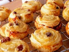 Mexican Sweet Breads, Bread Recipes, Cooking Recipes, Donuts, Pan Dulce, Spanish Food, Pavlova, Dessert Recipes, Desserts