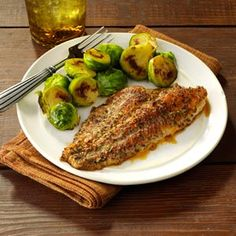 Zesty Baked Catfish Recipe- Recipes This catfish combines common pantry seasonings for a taste that's anything but basic. Fish Dishes, Seafood Dishes, Fish And Seafood, Seafood Recipes, Main Dishes, Dinner Recipes, Dinner Ideas, Seafood Meals, Cajun Recipes