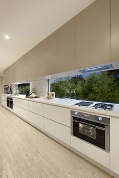 The Glass Splashback Kitchen Pitfall 00019 - elliahome - Modern Kitchen French Kitchen Decor, Kitchen Room Design, Luxury Kitchen Design, Kitchen Cabinet Design, Home Decor Kitchen, Modern House Design, Interior Design Kitchen, Kitchen Furniture, Wood Furniture