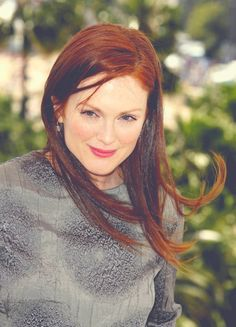 Julianne Moore... natural beauty.