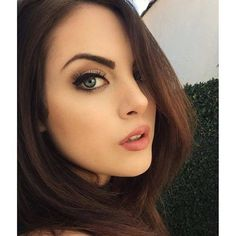 Elizabeth Gillies                                                                                                                                                                                 Mais
