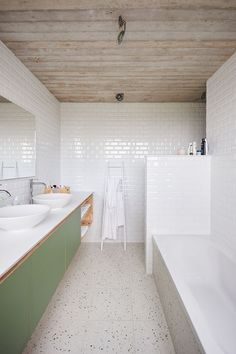 STAARC engineers and architects - house JS - interior - bathroom - photo Bram T . STAARC engineers and architects – house JS – interior – bathroom – photo Bram Tack Bathroom Renos, Laundry In Bathroom, Bathroom Interior, Modern Bathroom, Small Bathroom, Minimalist Bathroom, Bathroom Flowers, Dyi Bathroom, Bad Inspiration