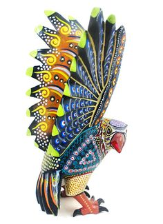 Impressive eagle carving by Manuel Cruz a greatly talented wood carving artists  from Oaxaca.