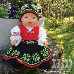 H♥BBYSYSLER: Bunadstrikk (Søster'n strikker!)