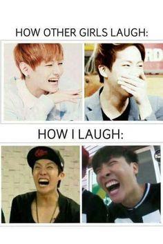 Quand les autres filles rigolent