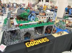 The Goonies LEGO diorama (click through for more pics)