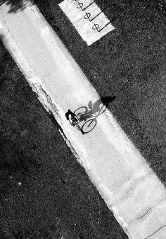 A deux..., on est plus fort ! / Du vélo au soleil couchant. /  Cycling sunset. / Faire duy Jian Wang.