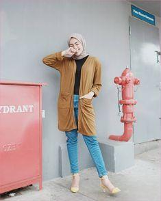 Outfit Baju Hijab Casual Untuk Perempuan Gemuk Ala Selebgram 2018 hijab  square polos krem outer coklat bf2b664bf7