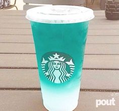 "21 Mouth-Watering Starbucks ""Secret Menu"" Drink IdeasIf you're a fan of Starbucks then you'll love these deliciously crafted drinks from their ""secret"" menu. Starbucks' ""secret menu"" consists of yummy dr. Starbucks Frappuccino, Bebidas Do Starbucks, Copo Starbucks, Starbucks Hacks, Starbucks Secret Menu Drinks, Starbucks Refreshers, Starbucks Blue Drink, Starbucks Drinks Without Coffee, Goodies"