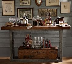 Bar set-up Mix and Chic: Some of the best holiday decorating inspirations!