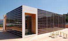 Fotovoltaico di ultima generazione - Vetro con proprietà fotovoltaiche per facciate ventilate, consente la produzione di energia solare gratuita ed è gradevole esteticamente. Costo pannelli fotovoltaici - Start Preventivi