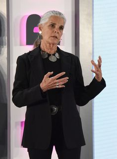 Ali MacGraw Photos - Ali MacGraw speaks onstage at Hearst Magazines' Unbound Access MagFront at Hearst Tower on October 17, 2017 in New York City. - Hearst Magazines' Unbound Access MagFront