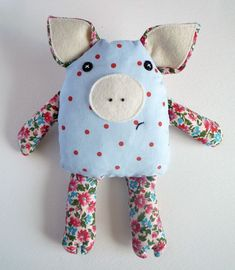 Sewing Toys Cute little cuddly pig Sewing Stuffed Animals, Stuffed Animal Patterns, Sewing For Kids, Baby Sewing, Baby Crafts, Kids Crafts, Sewing Crafts, Sewing Projects, Sewing Kits