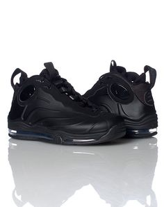 NIKE MENS TOTAL AIR FOAMPOSITE MAX SNEAKER Black. This was a good shoe!