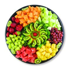 For all my friend 💚💚💚💪💪💪  Party Food Platters, Veggie Platters, Veggie Snacks, Party Trays, Veggie Tray, Fruit Snacks, Fruit Recipes, Fruit Party, Fruit And Veg