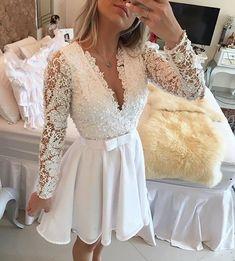 Inspiração perfeita para o #Noivado ou #CasamentoCivil! -- Vestido: @bameloteodoro  #vestidos#dress#bride#makingof#make#penteado#penteadodenoiva#cabelos#cabeleireiro#grinalda#vestidodenoiva#maquiagem#mac#lindo#luxo#chique#coque#princesa#wedding#weddingdress#atelie#estilista#cerimonialista