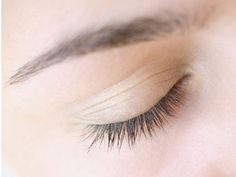 How to get those awesome straight-across brows.