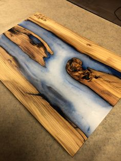 Epoxy Resin and Oak Cutting Board Epoxy Resin Table, Diy Epoxy, Diy Cutting Board, Wood Cutting Boards, Resin Sculpture, Resin Art, Woodworking Projects Diy, Wood Projects, Diy Resin Table