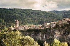 Castellfollit de la Roca en Girona. Lo conoces?