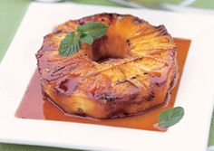 Honey-Glazed Grilled Pineapple - Bon Appétit with grilled Moroccan Chicken and Couscous salad w/dates and almonds Grilled Pineapple Recipe, Pineapple Recipes, Pineapple Tart, Grilled Desserts, Grilled Fruit, Salmon Steak Recipes, Pasta Pizza, Grilling Recipes, Cooking Recipes