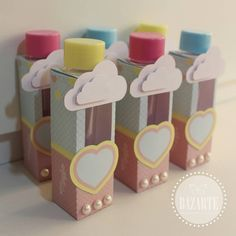 Porta- tubetes ☁ @bazartemcz #chuvadeamor Diy And Crafts, Arts And Crafts, Printable Box, Paper Packaging, Drawing Tips, Projects To Try, Alice, Wraps, Baby Shower