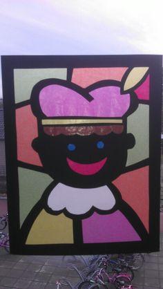 Zwarte Piet. Zelf malletjes maken, kids laten prikken en versieren met vliegerpapier helemaal leuk!