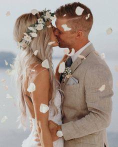 Ma perché non mi sposi? In primavera, l'anno prossimo. Andiamo a sposarci a Santorini, saresti felice con me.. lo sai anche tu #tiamodaimpazzire