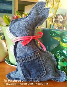 DIY DENIM BUNNY - - Have some holey jeans lying around? Why not make a cute repurposed DIY denim bunny for the Easter Basket. Jean Crafts, Denim Crafts, Bunny Crafts, Easter Crafts, Easter Decor, Rabbit Crafts, Easter Centerpiece, Easter Ideas, Artisanats Denim
