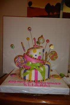 Cake my daughter wants for her 5th bday (: