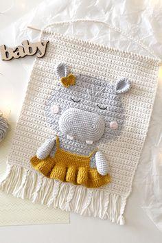 Crochet Wall Hangings, Tapestry Crochet, Crochet Decoration, Crochet Home Decor, Crochet Tools, Crochet Projects, Home Decor Hooks, Wall Decor, Baby Room Diy
