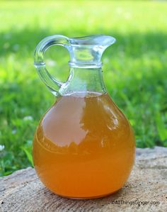 This tasty ginger honey syrup is made with just a few easy-to-find ingredients and is a snap to mix together! It's superb for treating: nausea stomach ache motion sickness indigestion discomfort from overeating vomiting colds Holistic Remedies, Cold Remedies, Natural Home Remedies, Natural Healing, Herbal Remedies, Health Remedies, Natural Medicine, Herbal Medicine, Health Tips