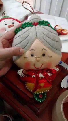 Cris Silva Christmas Poems, Christmas Clay, Christmas 2015, Christmas Crafts, Felt Christmas Decorations, Felt Christmas Ornaments, Felt Crafts, Sewing, Google
