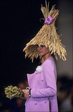 Christy Turlington: CHANEL Spring-Summer 1992 in Paris, 1991.