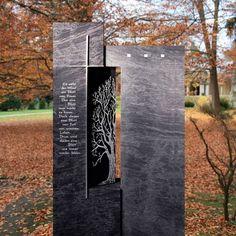 Dunkles Grabmal »Begato« aus Granit • Serafinum.de Stone Carving, Memories, Plants, Memorial Ideas, Monuments, Stones, Artworks, Sculptures, Fotografia