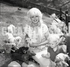 Jayne Mansfield and dachshund