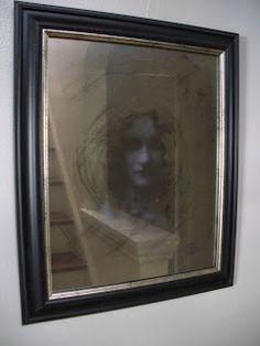 DIY - create a creepy halloween mirror.