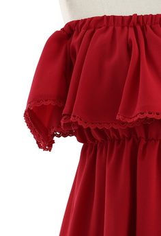 This romantic and feminine chiffon dress brings us endless fantasy. Elastic off-shoulder high waist design with lace trimming along the frilling hem on bust. Your sexiness is nowhere to hide. - Lined- 100% Polyester Size (cm) Length Bust Waist XS-S      71 Free 64-80 M-L       72 Free 70-88 Size(inch) Length Bust Waist XS-S      27.5 Free 25-31M-L       28 Free 27.5-34.5