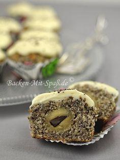 Mohn-Marzipan- Cupcakes