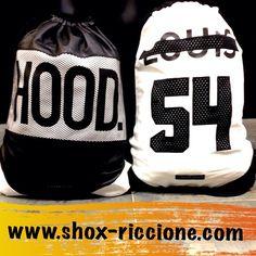 Sono ritornateee!!!CAYLER BLACK LABEL GYM BAG ECOPELLE  HOOD & LUIS!!!venite a trovarci allo SHOX urban clothing di viale dante 251 Riccione APERTI tutti i giorni anche la DOMENICA POMERIGGIO !per info e vendita contattateci su FB: @ SHOX URBAN CLOTHING ,spedizione €5-->free for order over €50!! #gymbag #ecopelle  #2015 #SHOX #cayler #comevuoitu #sartoriainterna #fashion #dapaura #fresh #streetwear #life #esclusivo #nuoviarrivi  #swag  #solodanoi  #unici #men #girl #summer #like…
