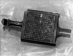 Una caja de matrices para Montipia de 15x17, visto en ExquisiteFonts, via Flickr