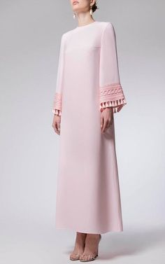 Arab Fashion, Muslim Fashion, Modern Hijab Fashion, Modest Fashion, Love Fashion, Fashion Dresses, Vintage Fashion, Fashion Design, Pretty Dresses