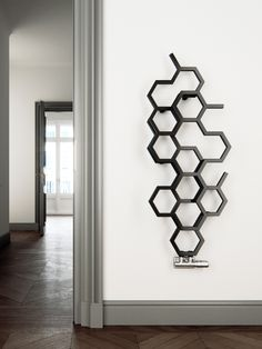 The Six V is a unique bathroom radiator. It is an ultra-modern radiator for central heating systems. Bathroom Design Software, Bathroom Design Luxury, Bathroom Tile Designs, Modern Bathroom, Mens Room Decor, Home Decor, Best Radiators, Decorative Radiators, Bathroom Radiators
