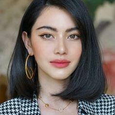 Most Alluring Stacked Bob Hairstyles 2020 for Women That are Truly Incredible Bob Hairstyles Alluring Bob BobHairstyles Hairstyles Incredible stacked women Lob Hairstyle, Chic Hairstyles, Volume Hairstyles, Hairstyle Ideas, Medium Hair Styles, Natural Hair Styles, Short Hair Styles, Stacked Bob Hairstyles, Straight Hairstyles